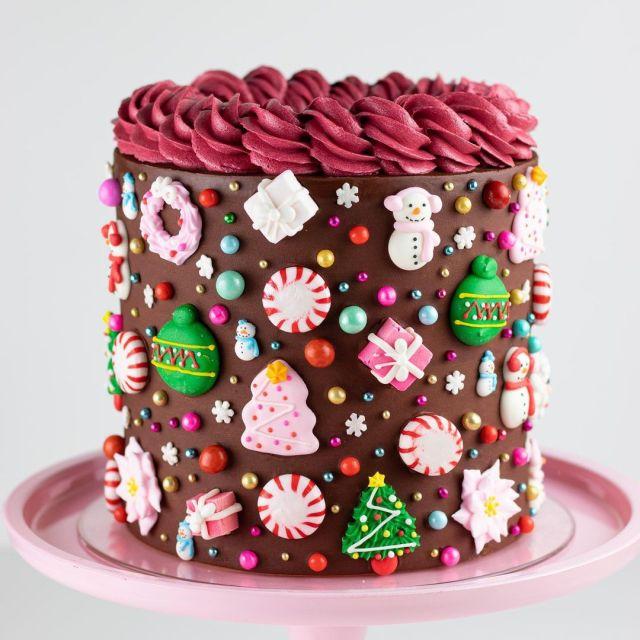 este es uno de los bonitos pasteles navideños para Navidad
