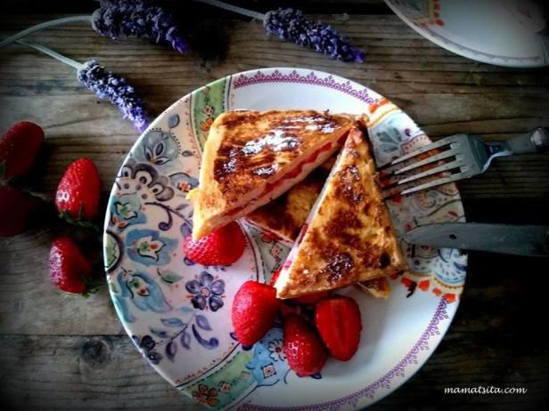 αυγοφέτες με φράουλες