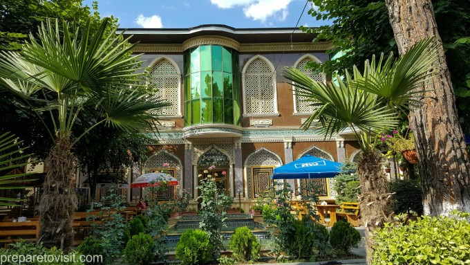 Ресторант в Шеки