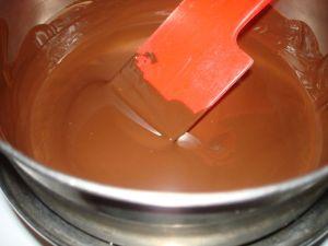 λειωσιμο-στρωσιμο-σοκολατας