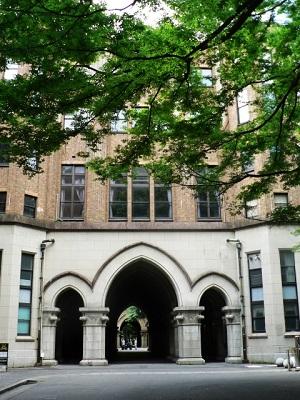 大学のオープンキャンパス