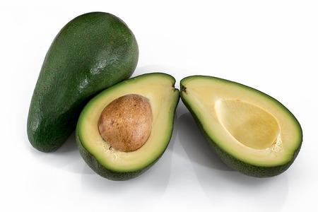 アボカドは生で食べる?加熱する?栄養価が変わるって本当?