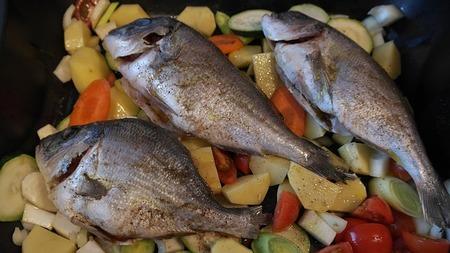 真鯛と金目鯛の違いは?味や値段はどっちが高いの?