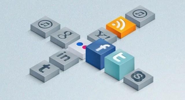 SocialMediaIcon4 - 18 Free Social Media Icon Packs