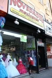 Una tienda de vestidos para novias, quinceañeras, bautizos y primeras comuniones.