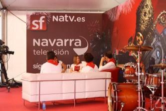 Junto con Ana Belén, invitada a una tertulia sobre las fiestas en la televisión local.