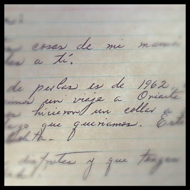 Nota escrita por mi tía. La incluyo porque el simple hecho de recibir algo escrito a mano y con manuscrita es algo que ya no sucede todos los días.