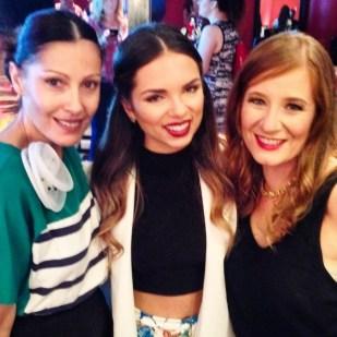 Una foto con Daniela Ramírez y Ángeles Amuna. Su estilo y sus blogs simplemente me encantan.