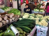Me puedo quedar horas viendo las frutas y verduras que tienen los mercados chinos.