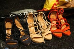 Los zapatos con estilo náutico que lucieron las modelos sobre la pasarela.