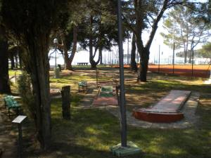 Športni park z mini golfom.