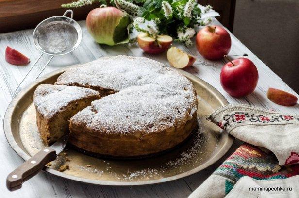 Как приготовить шарлотку с яблоками