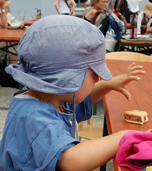 Kinderessen psychologisch: Wie es gelingt, aus dem Essen keinen Machtkampf werden zu lassen