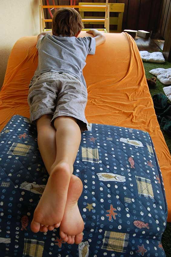 Unsere Kinder haben ein Recht auf Spiel und freie Zeit - hindert sie nicht daran