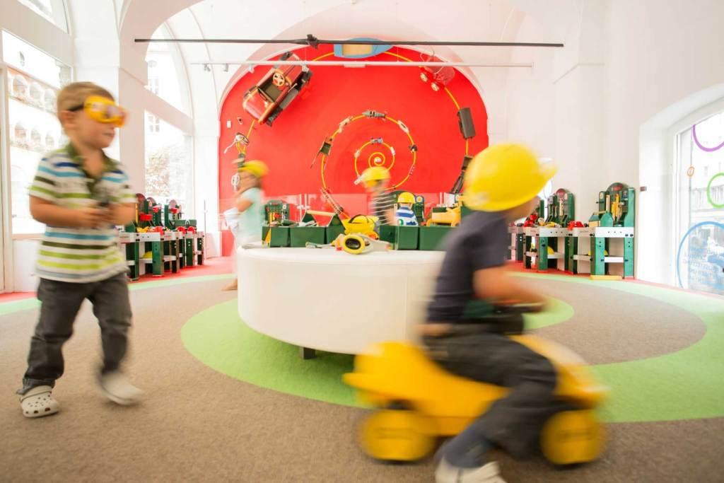 Karmakalender für nachhaltige Weihnachten und Bloggertreffen k3 im Spielzeugmuseum Salzburg
