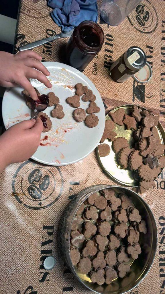 Kekse backen für Dummies: Backen und Dekoration für die Weihnachtszeit zum Einstimmen