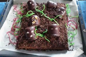 Halloween Grabkuchen Rezept mit Zombies: 2 Varianten