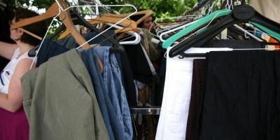 Lever eerst oude kleding in.