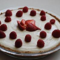 Greek yogurt and lemon curd tart