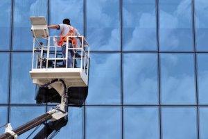 نصائح تنظيف الواجهات الحجر و الزجاج