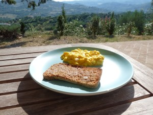 And the same, freshly scrambled and eaten on the terrace. Not a bad start to a Sunday. Even if we had to rise at 6.30 to enjoy it!