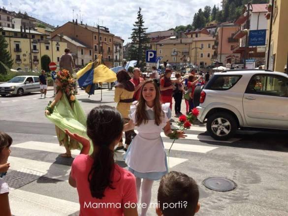 Parata di apertura 2 Roccaraso Festa degli Gnomi - Mamma dove mi porti?