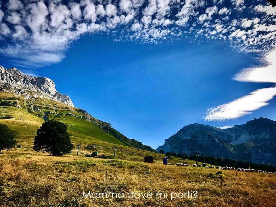 Cuore tra le nuvole nel cielo Gran Sasso d'Italia
