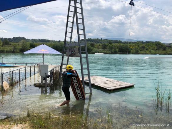 Ingresso nel Lago Hot Lake Cable Park a Manoppello di Pescara