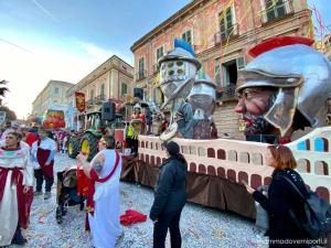 Carnevale Giuliese carro I Gladiatori