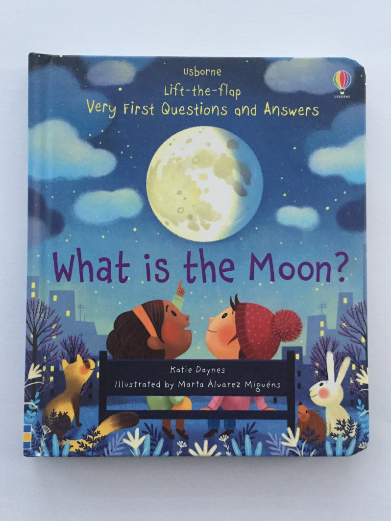 What is the moon? Book review by MammaFilz.com