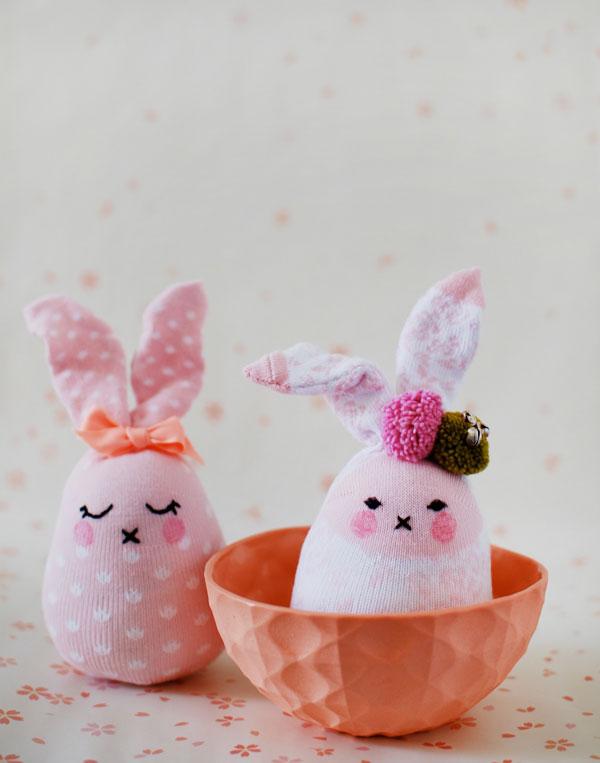 sock-bunny-tutorial-pink-bunnies.jpg