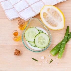 Come eliminare le occhiaie: 10 rimedi naturali