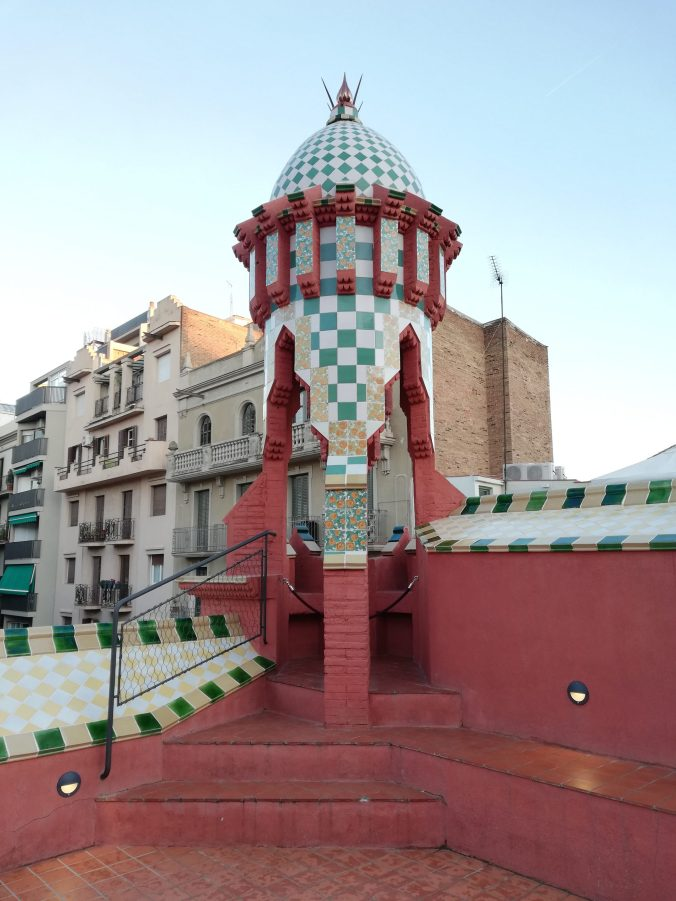 Comignolo nella casa Vicens di Barcellona