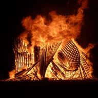 Tangential Dreams at Burning Man 2016- Burning the structure - Photgraphy by Reagan Parrish ©Mamou-Mani