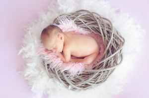Bien préparer l'arrivée de bébé: 9 articles de puériculture nécessaires de 0 à 1 an