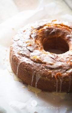 na widelcu ciasto dyniowe z pomarańczą 7236
