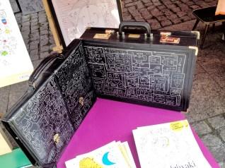 jarmark na nikiszowcu jak przerobić walizkę