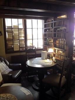 kawiarnia kornel i przyjaciele atykwariat księgarnia2