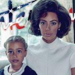 Kim Kardashian en Jackie Kennedy avec North !