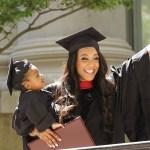 Etudiante et mère célibataire, elle obtient enfin son diplôme à Harvard