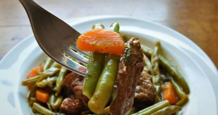 Grassfed beef in lemon sauce with green beans