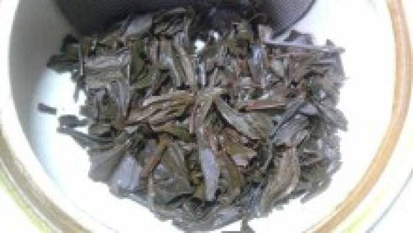 戸高製茶工場 戸高茶園釜炒り紅茶2012 -茶殻