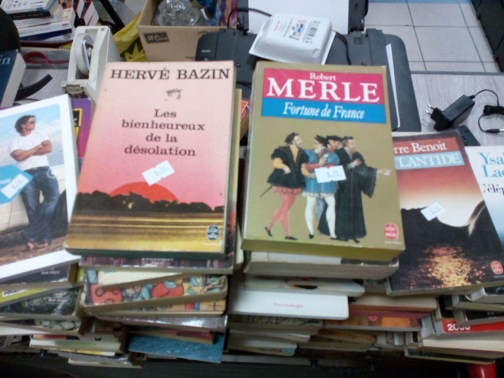 destockage livre divers prix unique