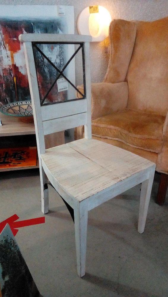 chaise bois peinte blanche et motif