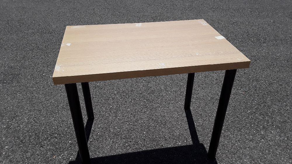 table plateau en bois pieds metal noir