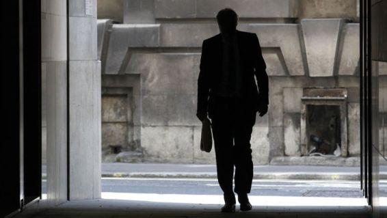 emploi-solitude-depart-licenciement-exclusion-demission_993208