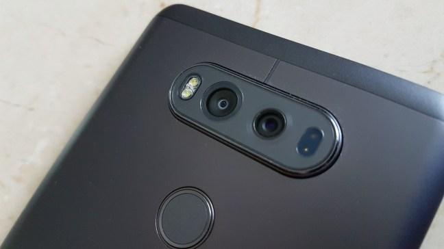 Dual camera di belakang