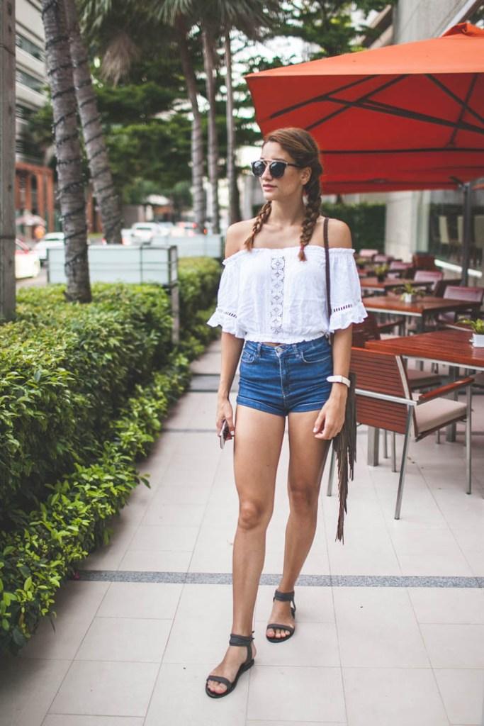 girl_wearing_white_top_bangkok