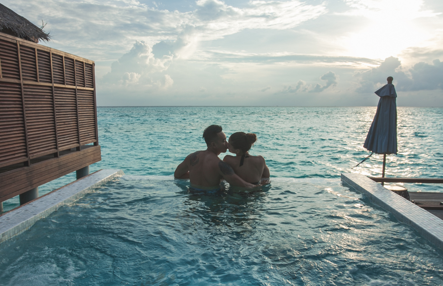 couple anantara maldives