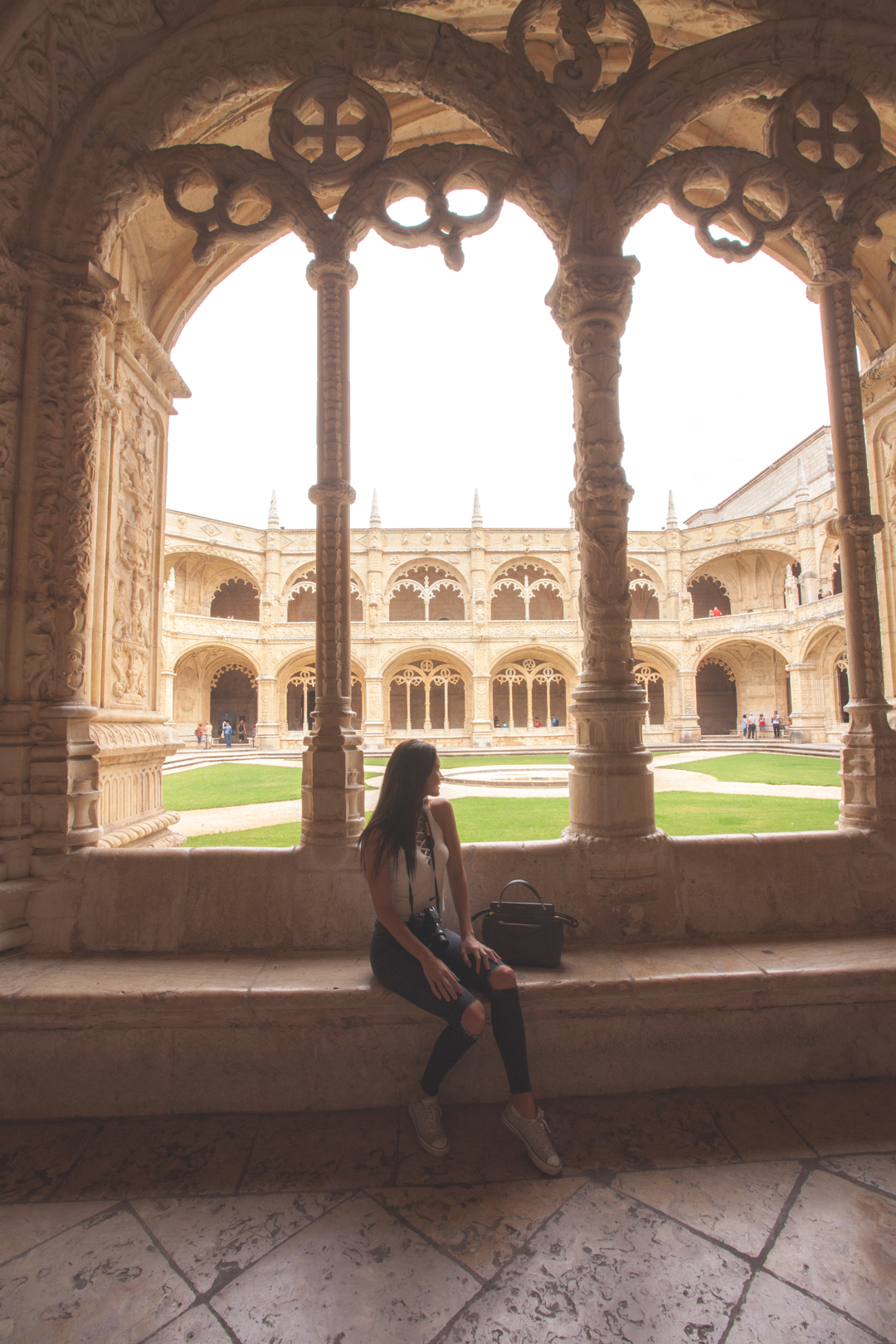 girl at jeronimos monastery